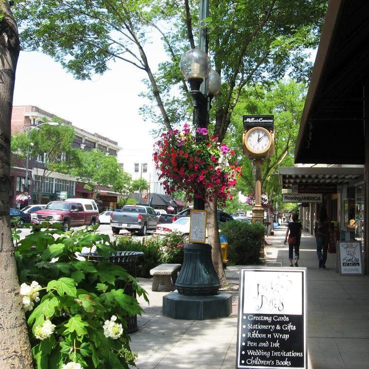 wenatchee downtown street photo