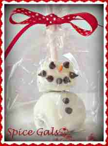 Snowman Oreo Pops - candies to make for the holidays