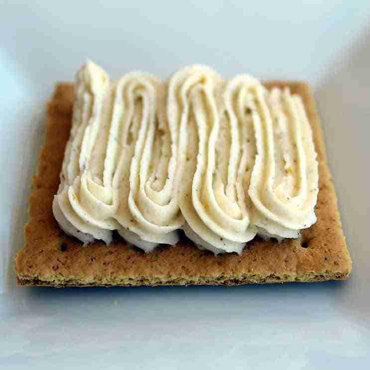 Orange Creamsicle Buttercream with Vanilla Beans