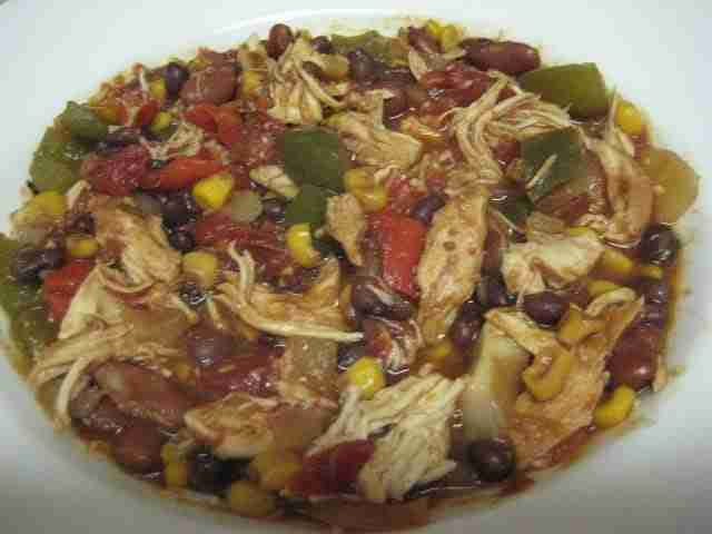 Slow Cooker Chicken and Bean Chili