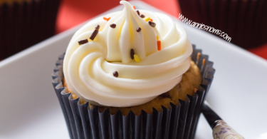 Pumpkin Chocolate Chip Cupcakes from Annie's Noms
