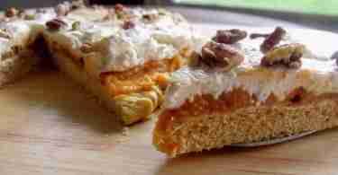 pumpkin cream cheese pizza close up