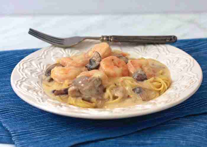 Pasta with Shrimp in a Gruyere Wine Sauce