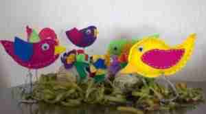 Decorating with plastic eggs - Daily Dish Magazine - #crafts, #Easter