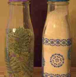 Homemade Spice Jars/ Daily Dish Magazine #spicejars #DIY #crafts