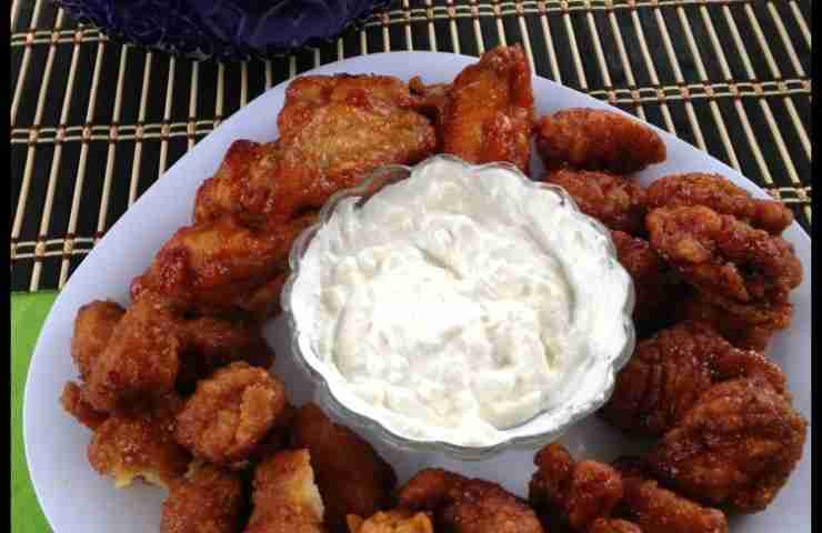 #AD Easy Hot Wings to Go for Game Day