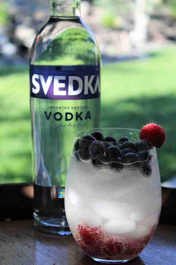Sparkling Red, White & Blue Cocktail