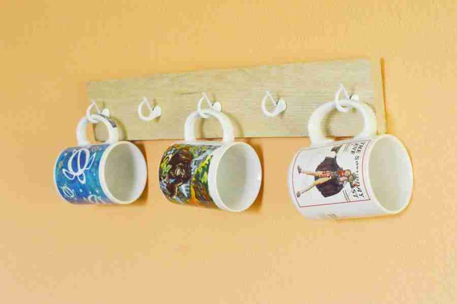 DIY Homemade Pallet Coffee Mug Hanger