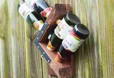 DIY Homemade Wall Wine Rack