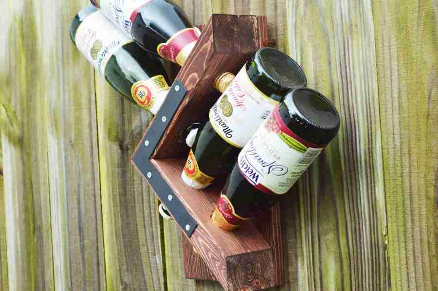 DIY Homemade Wall Wine Rack