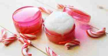 Homemade Peppermint Lip Scrub | Christmas Gifts & Stocking Stuffer Ideas