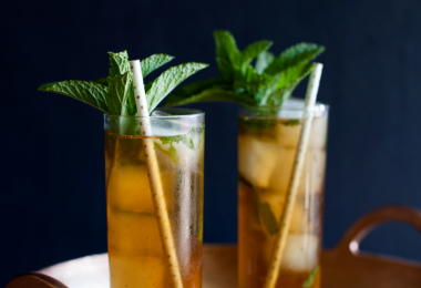 Peachy Mint Julep Cocktail | Kentucky Derby Cocktails