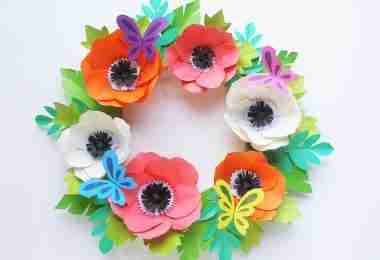 Easy Paper Flower Wreath Tutorial